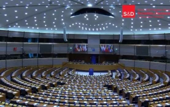 Nepilsoņu situācijai Latvijā ir jāmainās (VIDEO)