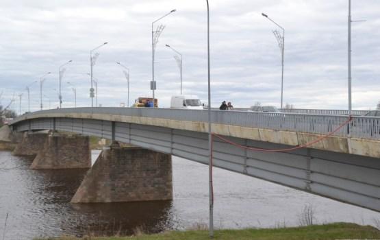 Satiksmes ierobežojumi uz Vienības tilta