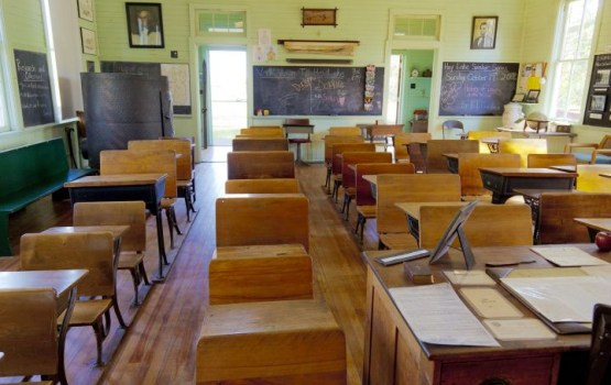 Saeima atbalsta ierosinājumu ļaut valdībai noteikt minimālo skolēnu skaitu vidusskolas klasēs