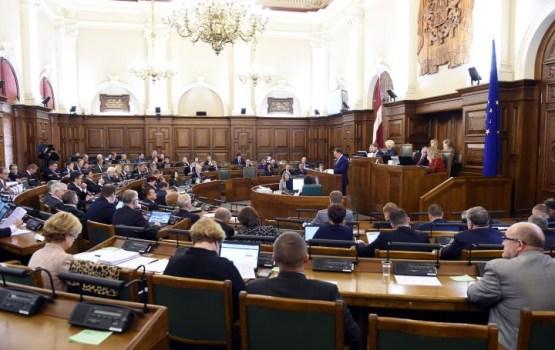 SKDS: Parlamentam uzticas 14,1% iedzīvotāju, bet valdībai - 17,1%