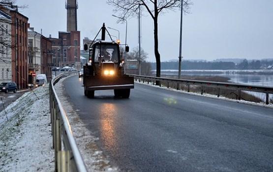 Daugavpilī operatīvi tika uzsākta sniega tīrīšana