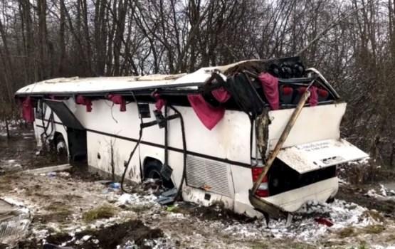 Lietuvā skolēnu autobusa avārijā daudzi cietušie, trīs ievietoti reanimācijā