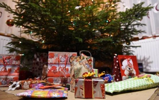 Pirktākās Ziemassvētku dāvanas šogad ir rotaļlietas, telefoni, viedpulksteņi un planšetdatori