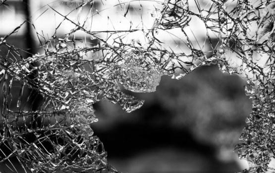 Avārijā uz Daugavpils šosejas cietuši pieci cilvēki, tostarp viens gājis bojā