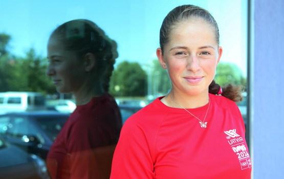 Eiropas cilvēka Latvijā titulu ieguvusi tenisiste Aļona Ostapenko