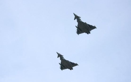 Pērn NATO iznīcinātāji biežāk Baltijas valstu robežu tuvumā pavadīja Krievijas militārās lidmašīnas