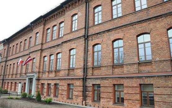 Risina jautājumu par būvdarbu atsākšanu J. Pilsudska Valsts Poļu ģimnāzijas sporta zāles korpusam