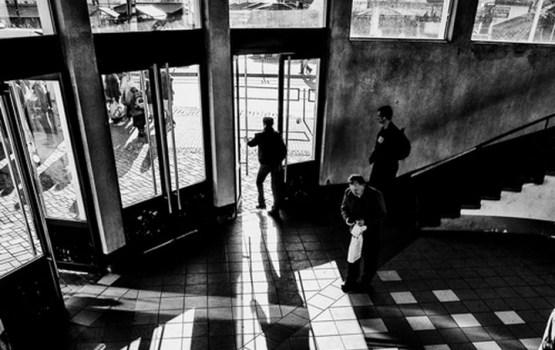 """Rīgas ielu fotogrāfa Jura Justa """"Pilsētas fragmenti"""""""