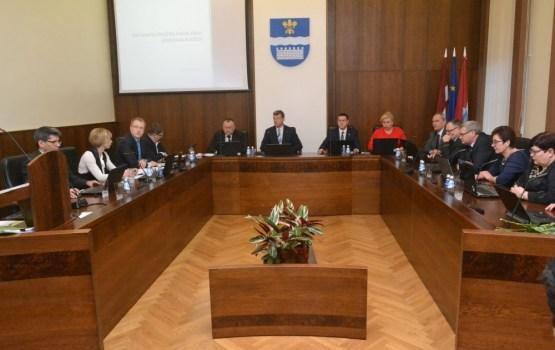 Domes deputāti apstiprināja 2018. gada pašvaldības budžetu