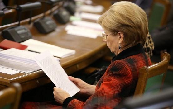 """Sudraba: Korupcija Latvijā darbojas """"pēc pilnas programmas"""""""