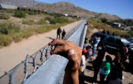 Par 17 nelegālo imigrantu pārvietošanu robežai apsūdzētajiem piemēro reālus cietumsodus
