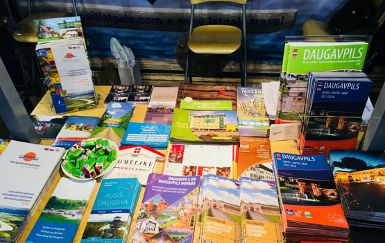"""Tūrisma izstādes  """"Balttour 2018"""" apmeklētāji saņēma informāciju par Daugavpili"""