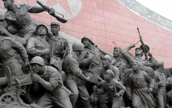 Ziemeļkoreja dienu pirms olimpisko spēļu atklāšanas sarīko militāro parādi