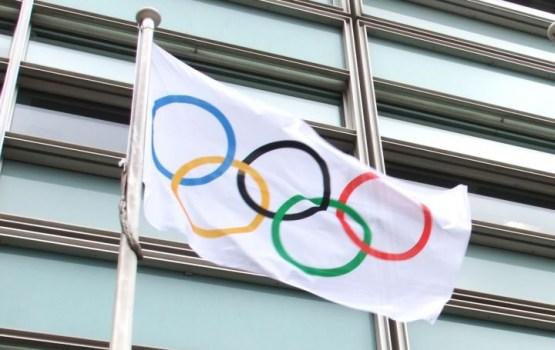 Phjončhanas olimpiskajā ciematā pacelts Latvijas karogs