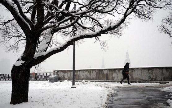 Sniega segas biezums valsts lielākajā daļā mazāks par desmit centimetriem