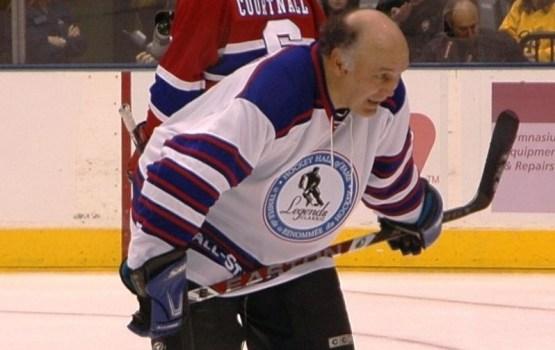 Visu laiku rupjākais NHL spēlētājs apvainots par seksuālu uzmākšanos braucienā uz Latviju