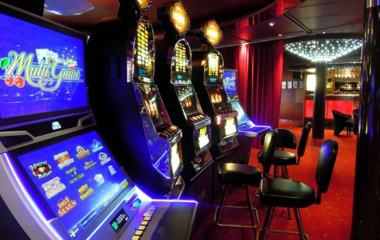 Azartspēļu automātu skaits pērn Latvijā samazinājies par 4%