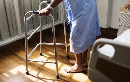 Mediķis: Ierēdņu vilcināšanās dēļ reto slimību pacientiem aizvien nav pieejams papildu piešķirtais finansējums
