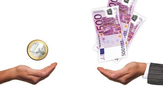 Algu pēc nodokļiem līdz 450 eiro pērn Latvijā saņēma 39,2% strādājošo