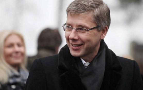 """KNAB izvērtēs """"Re:Baltica"""" pētījumu par miljoniem eiro iztērēšanu Ušakova popularitātei"""