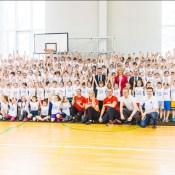"""""""Maxima Latvija"""" uzsāk vēsturisku sadarbību ar LVS un LHF bērnu un jauniešu sporta jomā"""