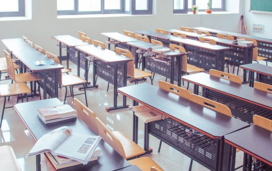 Saeima galīgajā lasījumā lems par pakāpenisku pāreju uz mācībām latviešu valodā