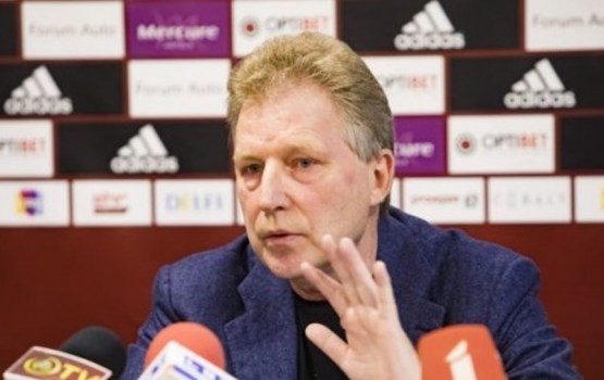 LFF valde atlaiž Latvijas futbola izlases galveno treneri Aleksandru Starkovu