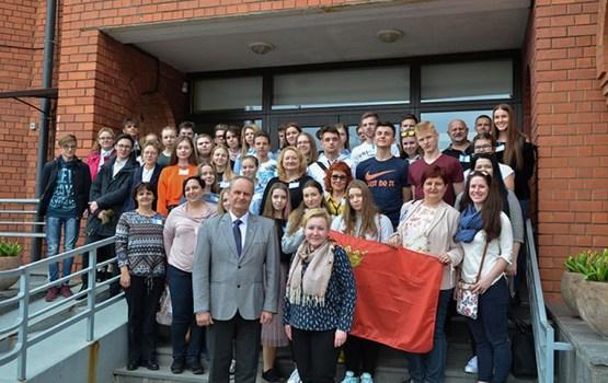 Daugavpilī jaunieši no Polijas, Slovākijas, Lietuvas, Kipras mācās krievu valodu