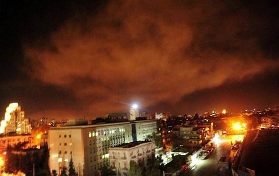 ASV, Francija un Lielbritānija veic gaisa triecienus Sīrijā