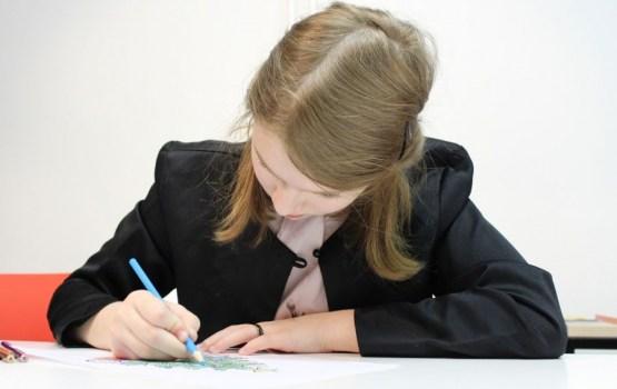 Tiesībsargs ceļ trauksmi par to, ka skolēniem trūkst laika atpūtai starp eksāmeniem