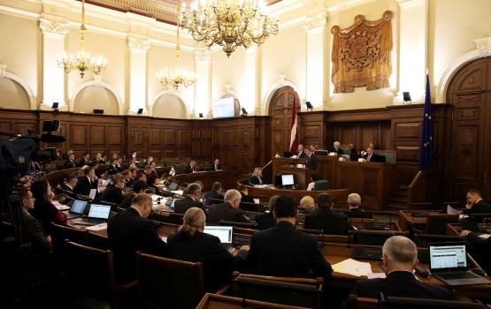 Saeimas ziemas sesijā parlamenta sēdes neattaisnoti kavēja divi deputāti