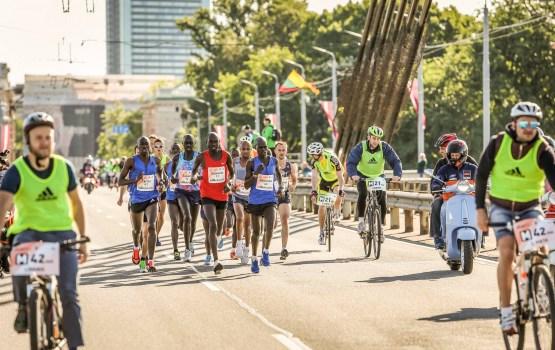 """""""Lattelecom"""" Rīgas maratonā ar jaunu sacensību rekordu uzvar Etiopijas skrējējs Ajana"""
