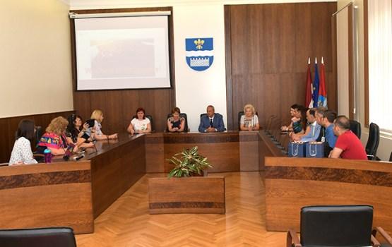 Izglītības pārvalde uzņem kolēģu delegāciju no 4 valstīm