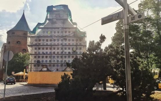 Pašvaldības Latvijai simtgadē dāvina īpaši apgleznotu ģerboņu sienu