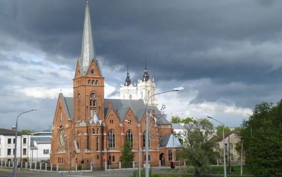 Daugavpils Mārtiņa Lutera  katedrālē  būs iespēja apskatīt mākslinieka Mihaila Sagojana dāvātās gleznas