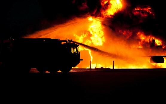 Vakar ugunsgrēkos viens cilvēks gājis bojā un viens cietis