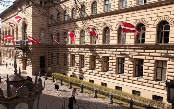 Oktobra sākumā gaidāmajās Saeimas vēlēšanās pirmie rezultāti sāks pienākt ap pusnakti