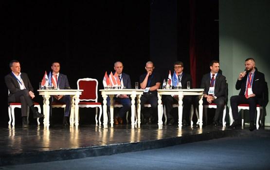 V Starptautiskajā Austrumbaltijas Biznesa forumā Daugavpilī notiek diskusijas un kontaktbirža