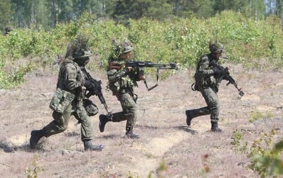 """Militārajās mācībās """"Tomahawk Soaring"""" tiekas 8 valstu spēki"""