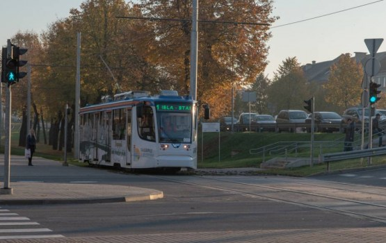 Palielinās tramvaju reisu un vagonu skaitu Latvijas Republikas simtgades svinību laikā