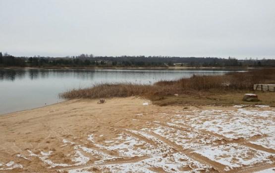Ruģeļu ūdenskrātuvē veidos piepūšamo akvaparku