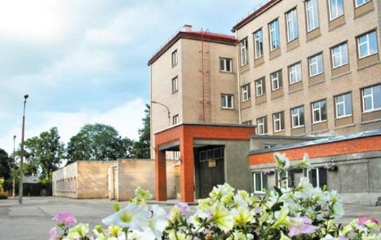 Pretendentu ilgās vērtēšanas dēļ kavējas Rēzeknes Valsts 1.ģimnāzijas remonts