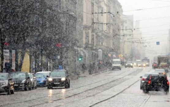 Nākamnedēļ kļūs siltāks, snigs un līs