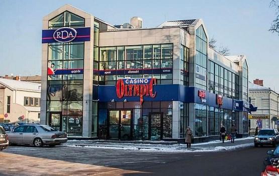 Azartspēļu zālēm Daugavpilī draud licenču anulēšana