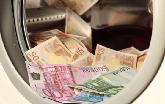 Apkarojot naudas atmazgāšanu, policija pērn arestējusi mantu 121,3 miljonu eiro vērtībā