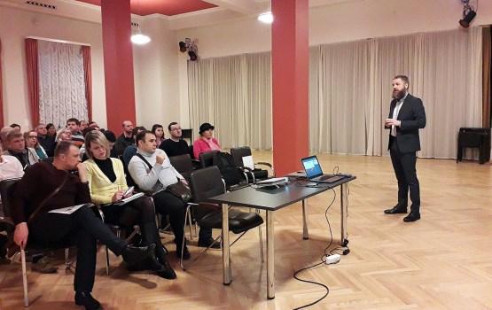 Norisinājās seminārs par daudzdzīvokļu māju renovāciju