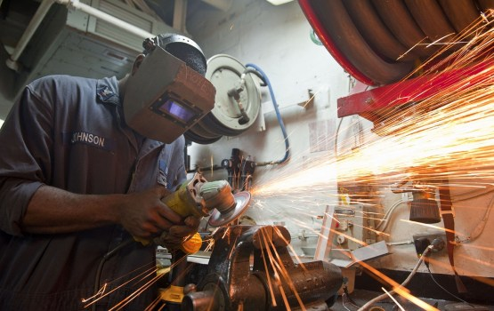 Bezdarba līmenis Latvijā pērn samazinājies līdz 7,4%