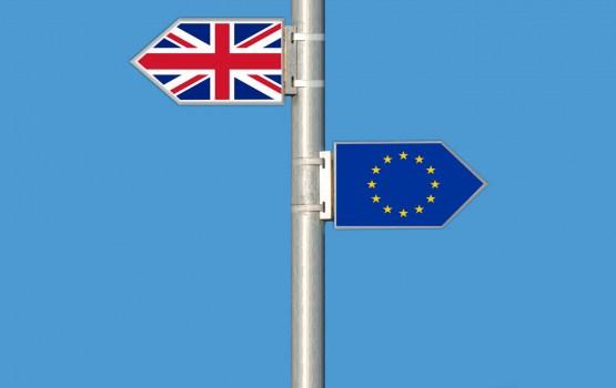 """Lielbritānija lūdz atlikt """"Breksitu"""" līdz 30.jūnijam"""