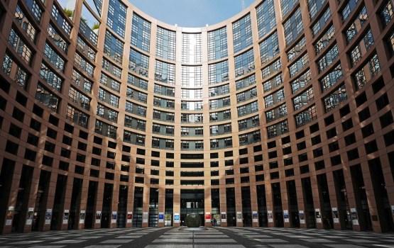 Kandidātu sarakstus EP vēlēšanām iesnieguši vēl četras partijas