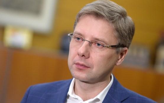 Ministrija atklāj iespējamus Ušakova likumpārkāpumus; mēram dod pēdējās septiņas dienas